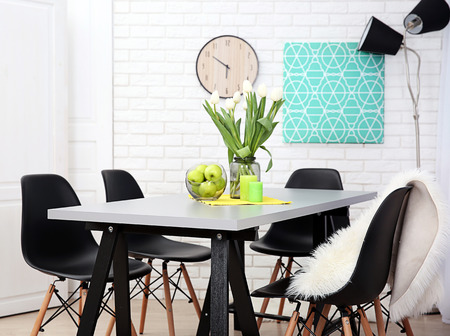 Dining table in home interior Stockfoto