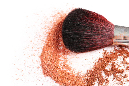 Makeup brush with cosmetic powder isolated on white Reklamní fotografie - 106170718