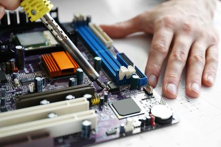 Man hands repair computer parts Zdjęcie Seryjne