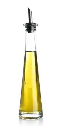 Olijfolie geïsoleerd op wit