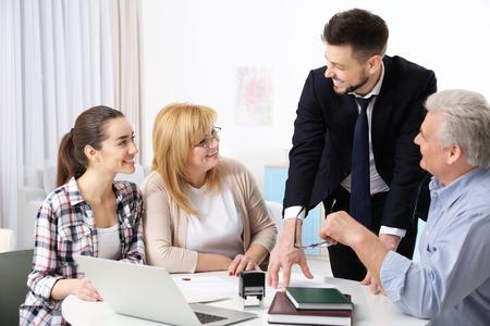 Notaire de consultation de famille au bureau