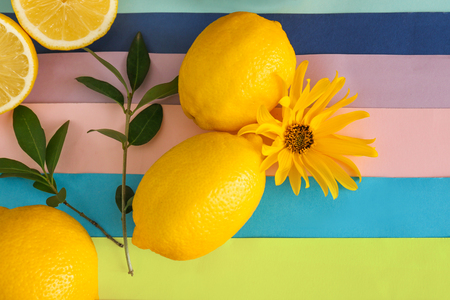 Fresh ripe lemons on color background 版權商用圖片