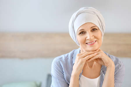 Mature woman after chemotherapy at home Archivio Fotografico
