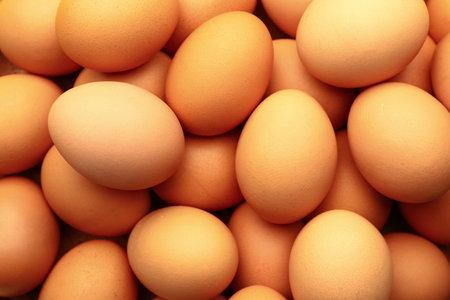Fresh eggs as background, closeup Banque d'images