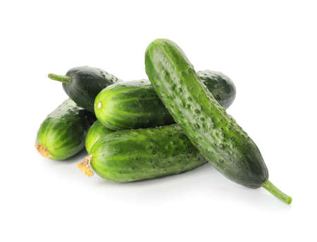 Green cucumbers on white background Banque d'images