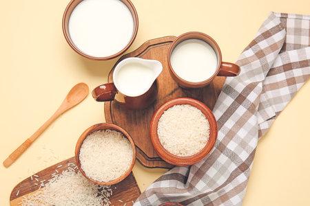 Healthy rice milk on color background Foto de archivo