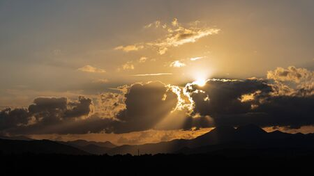 Molise, Mainarde, sunset. The Mainarde mountain range extends along the border between Molise and Lazio, with prevalence in the Molise territory.It is a very rocky natural barrier with a rugged aspect 版權商用圖片