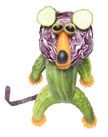 rey caricatura: Lion made of vegetables