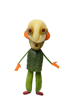 hombre calvo: Bald man made of green vegetables on isolated background