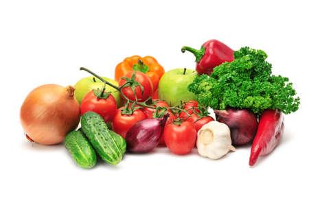 frutas y verduras aislados en un fondo blanco