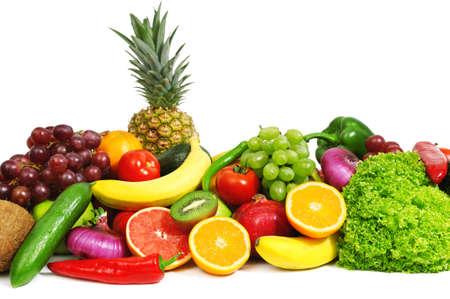 groenten en fruit die op een witte achtergrond Stockfoto