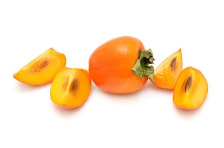 persimmon: caqui aislado en un fondo blanco