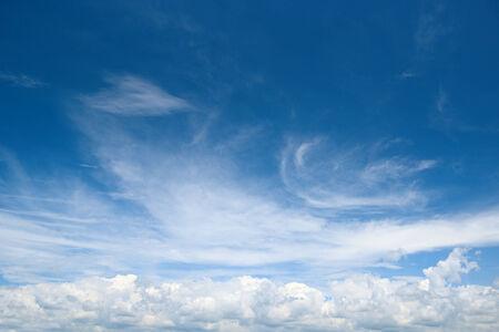white cloud on blue sky                                     Reklamní fotografie