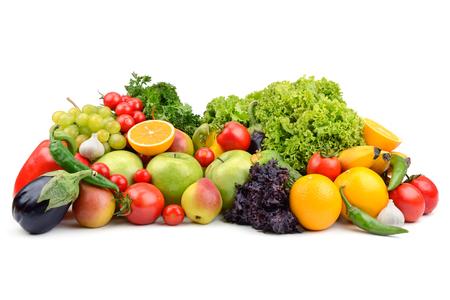fruits et légumes isolé sur un fond blanc