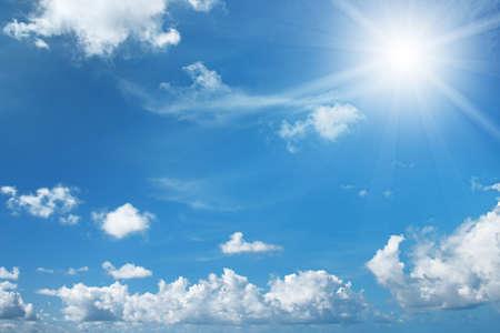 sole sul bel cielo blu