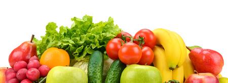 Legen Sie Obst und Gemüse isoliert auf weiß