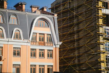 robo: nueva construcción, grúa