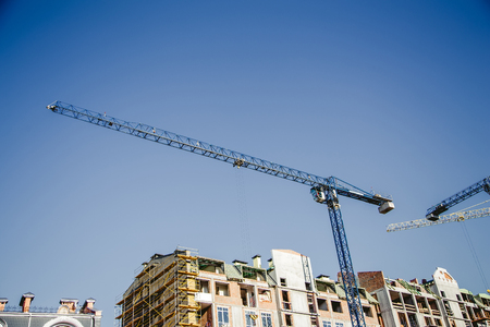 lowrise: new construction, crane