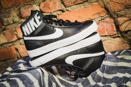 nike: Black and white stylish shoes, Nike