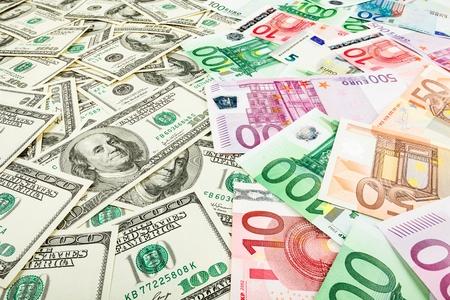 dolar: Giấy euro tiền và dolar. nền của tiền giấy cho các trình bảo vệ màn hình trên màn hình. Kho ảnh