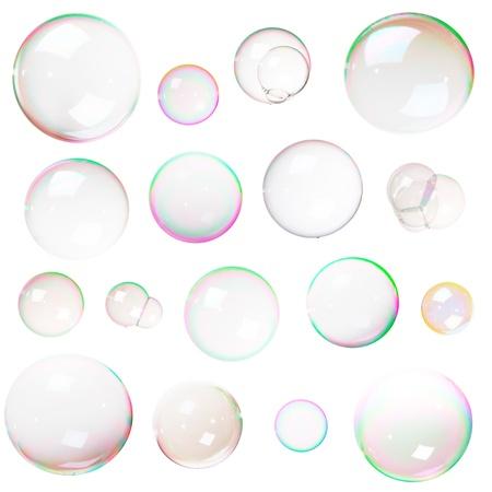 burbujas de jabon: Colorido pompas de jabón naturales aisladas sobre fondo blanco