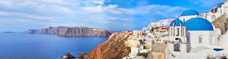 ギリシャ サントリーニ島イアの村の全景