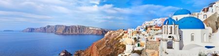산토리니 섬, 그리스에 Oia 마을의 파노라마보기 스톡 콘텐츠