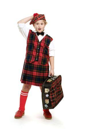 Surprised Schotte mit Koffer auf weißem Hintergrund Standard-Bild - 3415293