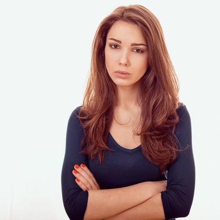 cara triste: Primer plano retrato de mujer triste emocional