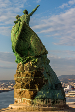 seas: Monument to naufrags der seas