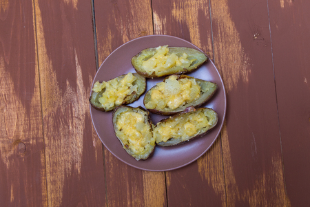 twice: Twice baked potatoes stuffed with cream cheese, Parmesan cheese and butter potatoes with pulp . One of the most popular dishes in America.