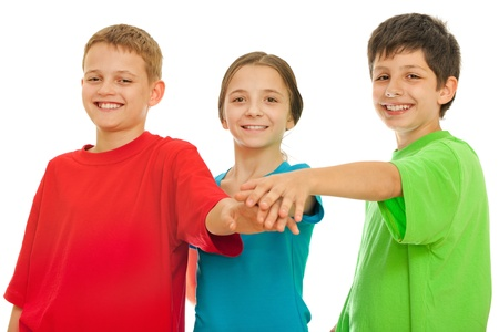 trois enfants: Three children taking an oath to be friends; isolated on the white background