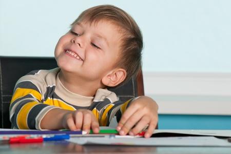 successes: Little boy � orgogliosa dei suoi successi