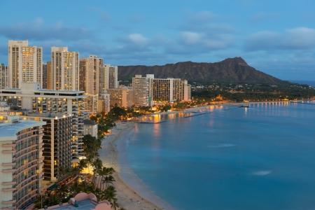 honolulu: Night view of Honolulu city, Diamond Head and Waikiki Beach; Hawaii, USA