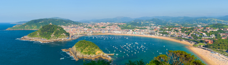 san sebastian: Panorama of San Sebastian in a summer evening