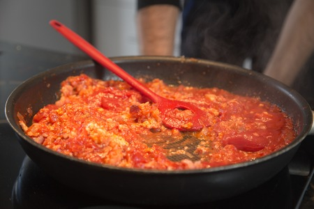 bolognese sauce: cooking bolognese sauce