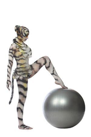 tigresa: Body-art: De tigresa blanca. Estudio de un disparo.  Foto de archivo