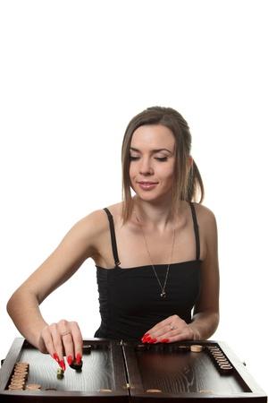 Jeune femme jeu de backgammon