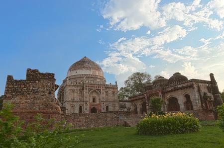 quitab: Qutub minar complex in Delhi