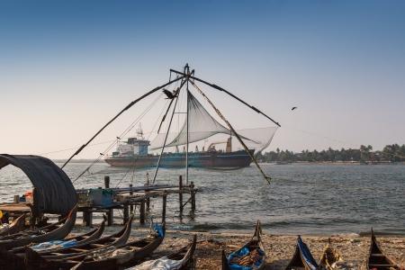 medias de red: Chinese fishnets Kochi, Kerala, India Foto de archivo