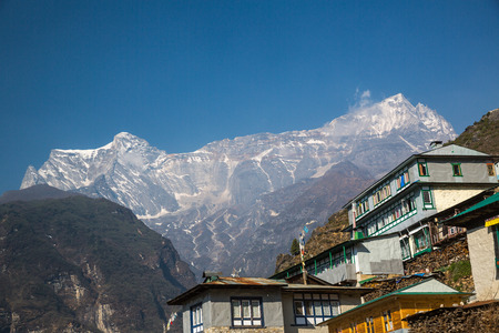 tibetan house: Himalayan village on the track to the Everest base camp