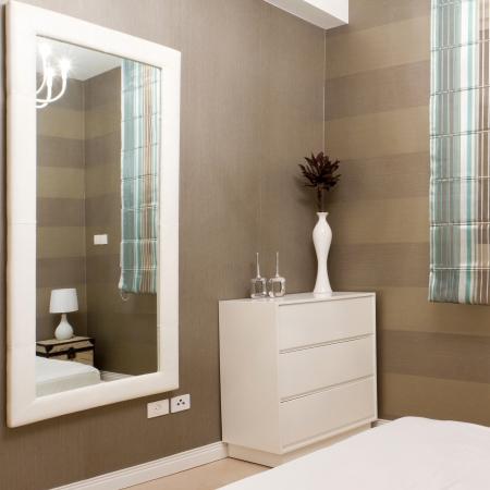 Bedroom with furnishings in a new house. Zdjęcie Seryjne - 14122187