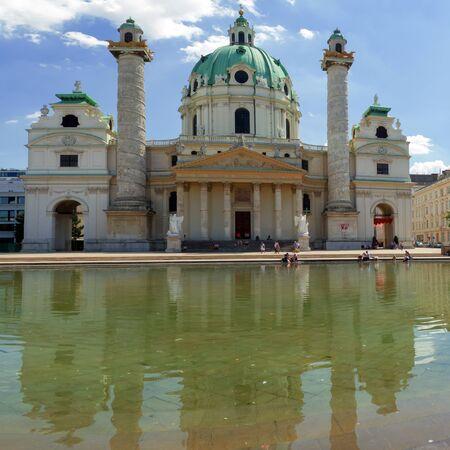 st charles: Chiesa di San Carlo (Karlskirche). Vienna, Austria Editoriali