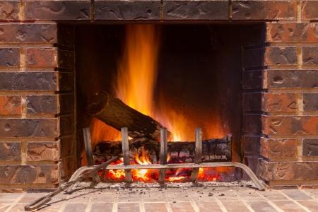 brick: 壁爐在新房 版權商用圖片