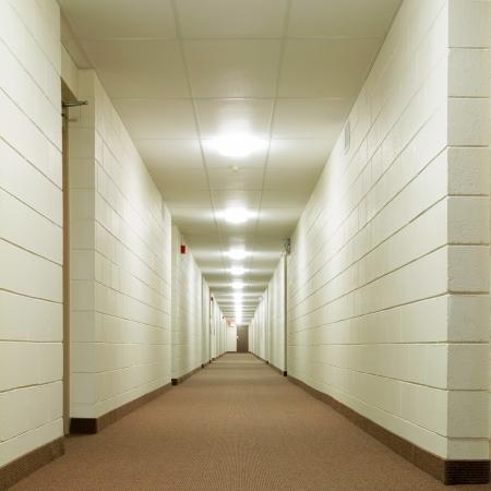 新しい建物に近代的な廊下 写真素材