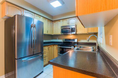 El diseño interior de la cocina moderna Foto de archivo - 37564724