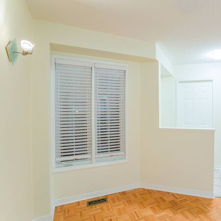 perspective room: Empty living room