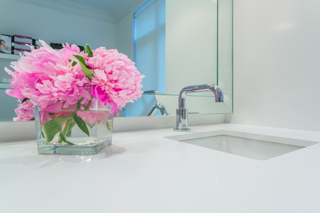 Interior design of a luxury bathroom and flower decoration