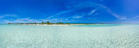 playas tropicales: Playa tropical en la playa de Cayo Largo Paraiso. Cuba Foto de archivo