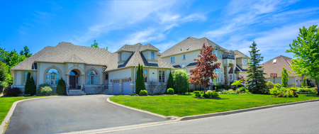 luxury house: Custom built luxury house in the suburbs of Toronto, Canada. Stock Photo
